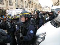 La Police tue