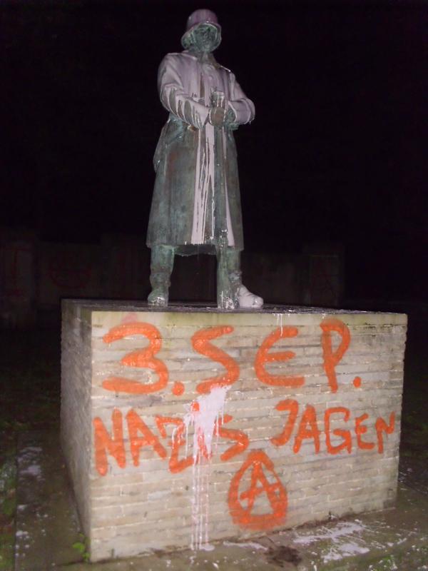 Beschädigtes Kriegerdenkmal in Löttringhausen