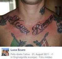 """Ein Indiz dafür, dass es sich bei Luigi und Luca Scuro nicht nur um eine """"Konzertbekanntschaft"""" handelt, zeigt ein Blick auf folgendes Foto im Profil von Luca Scuro, welches offenkundig den Oberkörper ihres Freundes zeigt"""
