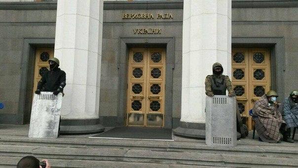 Neonazis in der Ukraine als Sicherheitskräfte - bald Normalität?