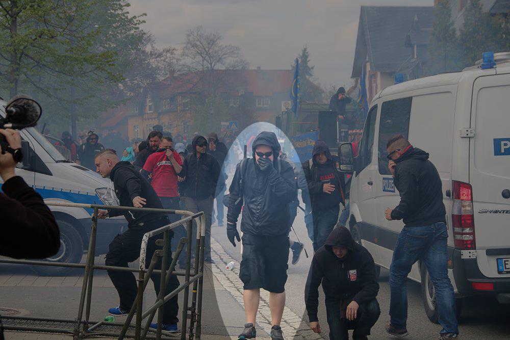 Tränengas und Thomas