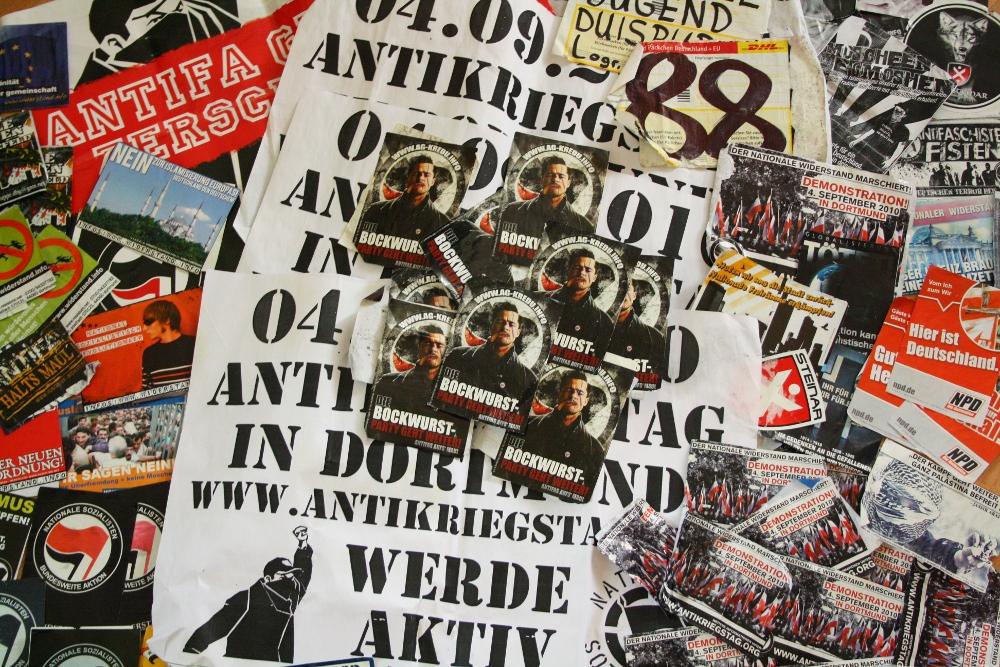 Nazipropaganda: Aus den Stadtteilen Meiderich und Wanheim entfernte Aufkleber und Plakate