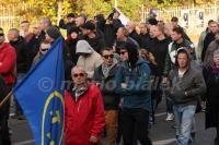 """Oliver Stallmann und Michael Machner (Bildmitte) bei """"Die Rechte""""-Aufmarsch am 31.10.2015 in Halberstadt (Foto: Mario Bialek)"""