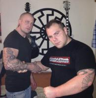 "Philipp Mang im ""Blood & Honour""-Shirt mit Ramon Mallens im Januar 2014"
