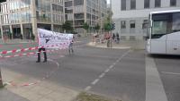 Straßensperrung durch Anti-Frontex Aktivist*innen