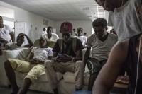 Boredom can be the most frustrating aspect of camp life for the migrants (Jason Florio/IRIN)