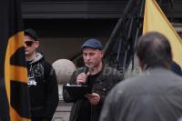 """Christoph Amendt als Redner am 03.04.2016 bei """"Grablichtaktion"""" der """"IB Harz"""" in Wernigerode (Foto: Mario Bialek)"""