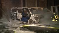 Autos des Ausländeramts brennen 5