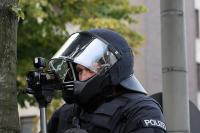 Polizei beobachtet Fans