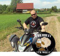 """Philipp Mang fordert """"Freiheit für Wolle"""", den NSU-Angeklagten Ralf Wohlleben"""