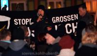 """Michael Machner spricht bei """"Grablichtaktion"""" der """"IB Harz"""" am 28.02.2016 in Wernigerode (Foto: Sören Kohlhuber)"""